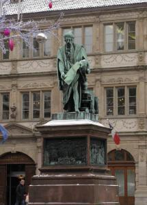 Памятник Гутенбергу в Страсбурге