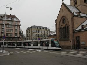 Трамвай и церковь Св. Николая в Страсбурге