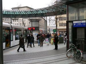 Трамвай в Страсбурге, площадь Железного Человека