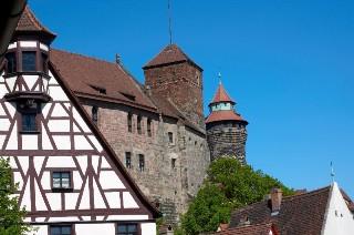 Башни Sinwellturm и Heidenturm в Нюрнберге, Германия