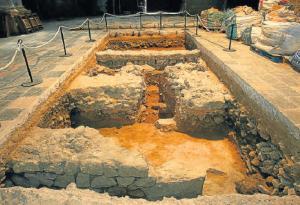 Раскопки в соборе, Таррагона, Испания