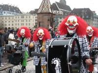 Шествие исполнителей гугенмюзиг, Базель, Швейцария