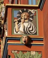 Флейтист на балконе ратуши, Базель, Швейцария