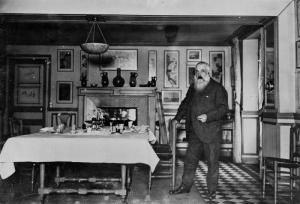 Клод Моне в столовой своего дома