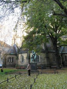 Памятник у церкви Мартина Лютера, Дрезден