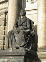 Опера Земпера, статуя Гёте, Дрезден