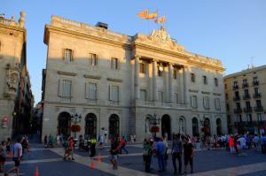 Мэрия (Каса-де-ла-Сьютат), площадь Сан-Жауме, Барселона, Испания