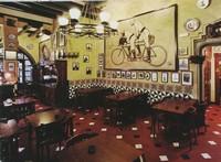 Интерьер кафе Els Quatre Gats, Барселона, Испания