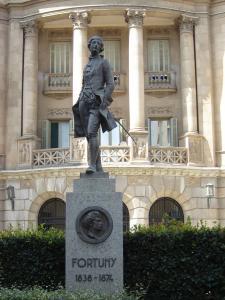 Памятник персонажу художника Фортуни, Реус, Испания