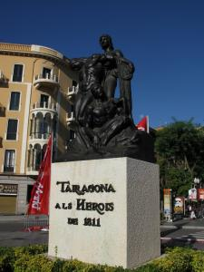 Памятник героям 1811 года на Новой Рамбле, Таррагона, Испания