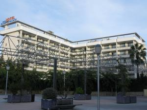 Общий вид отеля Olympus Palace, Салоу, Испания