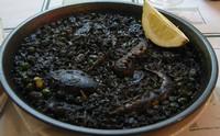 Чёрный рис с чернилами каракатицы