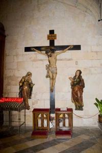 Распятие, скульптуры бывшего главного алтаря церкви Св. Петра в Реусе