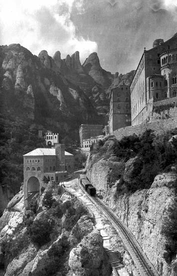 http://www.mishanita.ru/data/images/Spain_2011/montserrat1950s.jpg